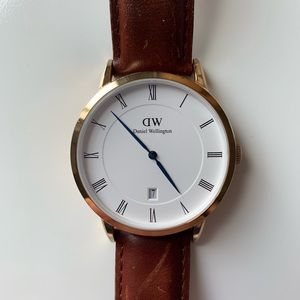 Daniel Wellington watch with brown leather strap